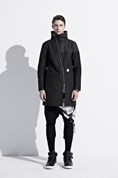 ionism-2013-fallwinter-astray-from-present-lookbook-9