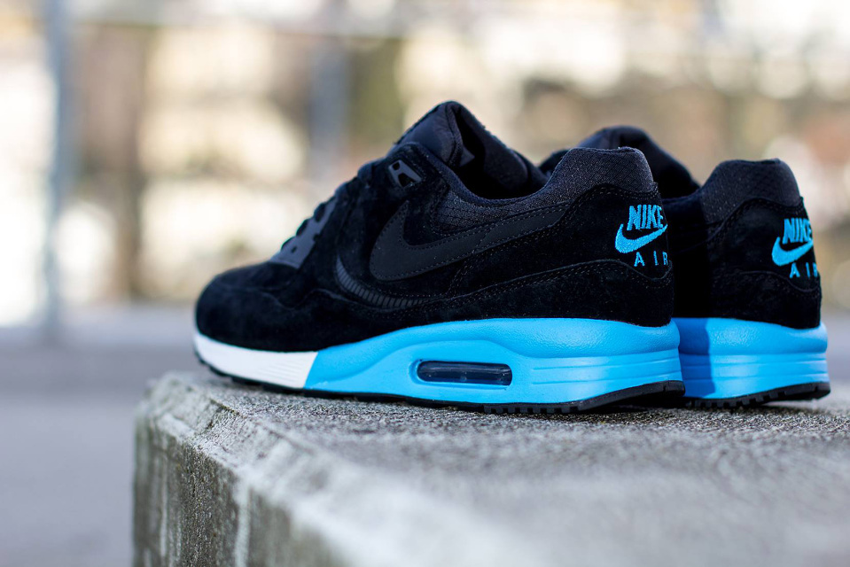 nike-air-max-light-premium-3