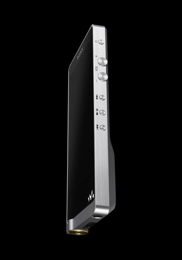 NWZ-ZX1 外型設計簡單俐落,細膩髮絲紋鋁合金機身與拋光按鍵完美詮釋Sony日系工藝精神,機背仿皮革設計展現旗艦機種質感。_