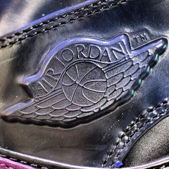 air-jordan-1-mid-yoth-4