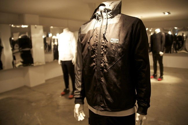 look-inside-the-kith-coat-of-arms-paris-pop-up-shop-06-960x640