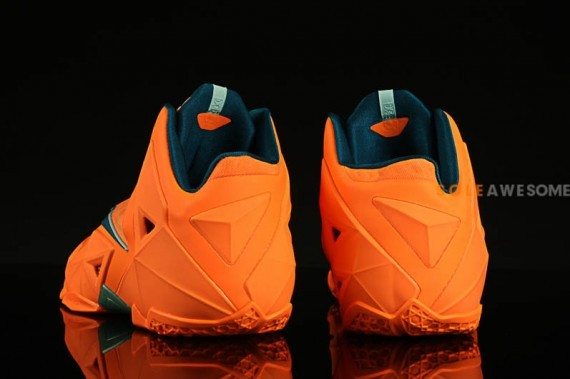 nike lebron-11-atomic-orange-4
