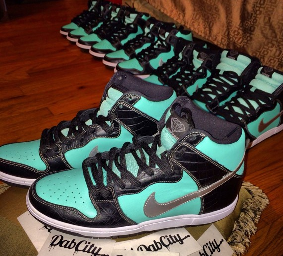 nike-sb-dunk-high-tiffany-1