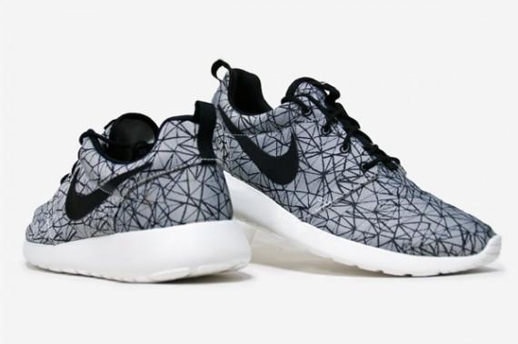nike-sportswear-geometric-pack-3