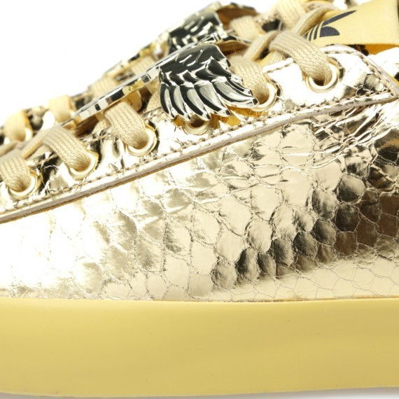 jeremy-scott-adidas-originals-rod-laver-gold-python-6