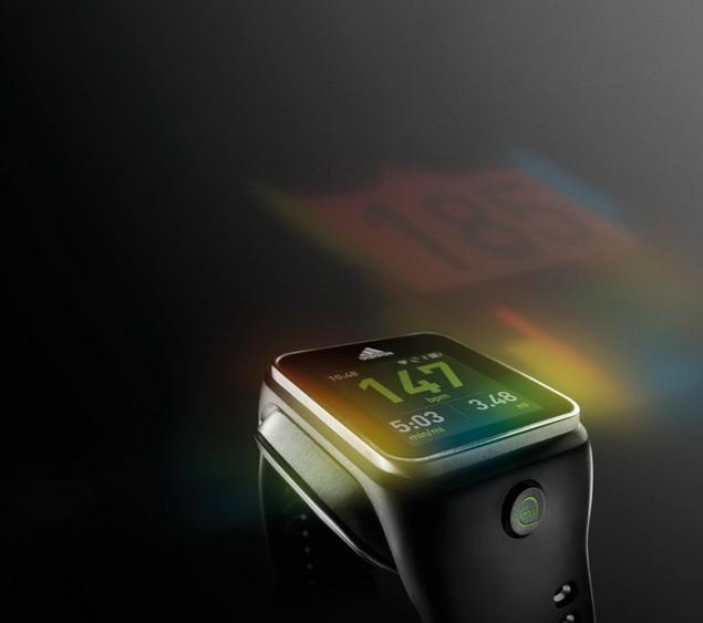 miCoach SMART RUN手錶_$15,000_2月上市_01_