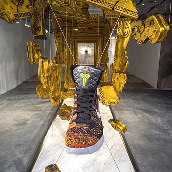 nike-kobe-9-elite-masterpiece-in-store-display-nike-x158-shanghai-01