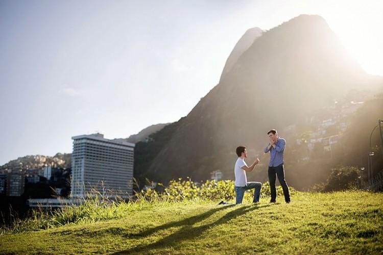romantic-pictures-gay-couples-around-globe-98867-750x500