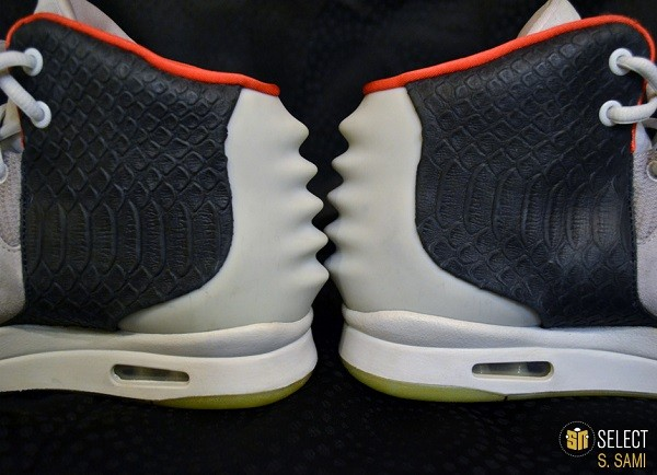sn-select-nike-air-yeezy-2-sample-platinum-black-10