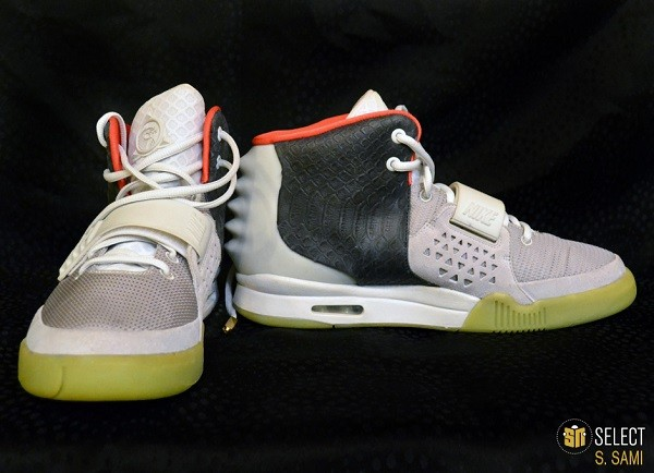 sn-select-nike-air-yeezy-2-sample-platinum-black-2