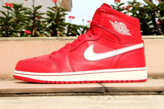 Air-Jordan-1-Retro-High-OG-Gym-Red-1