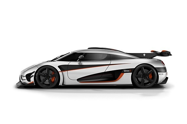 koenigsegg-reveals-one1-megacar-1