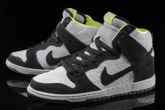 nike sb-dunk-grey-black-venom-0