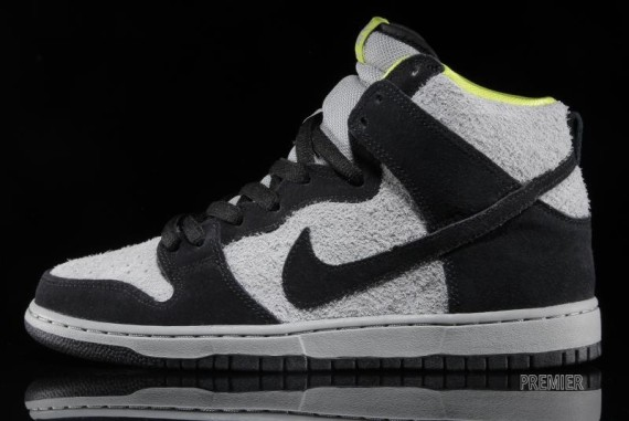 nike sb-dunk-grey-black-venom-1