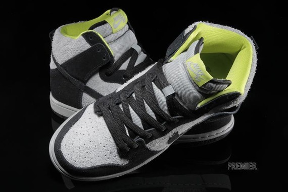nike sb-dunk-grey-black-venom-3