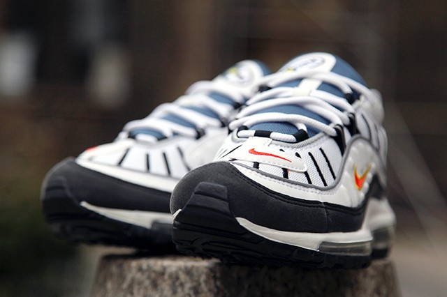 Air-Max-98-White-Orange-Silver-1