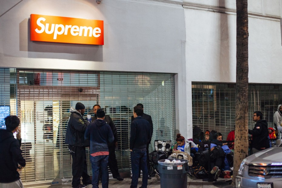 nike-foampostie-campout-at-supreme-los-angeles-2