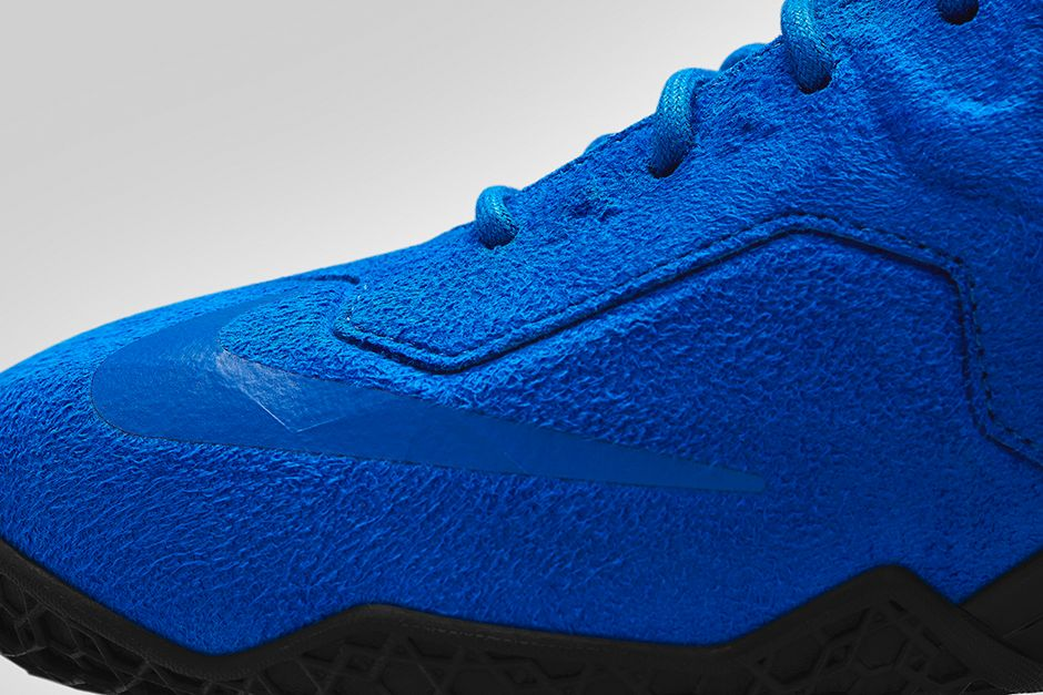 nike-lebron-11-ext-blue-suede-5