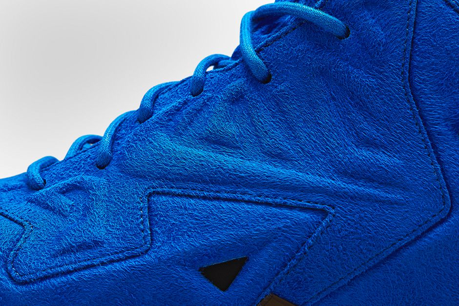 nike-lebron-11-ext-blue-suede-6