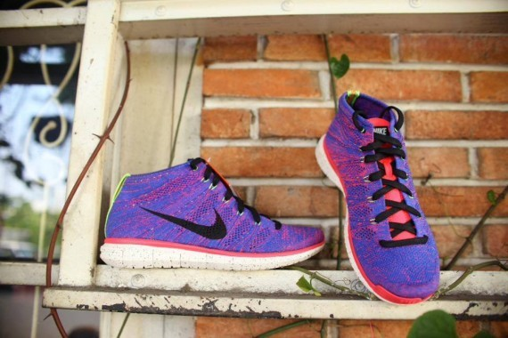 Nike-Free-Flyknit-Chukka-Purple-Neon-3