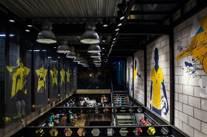 nike-opens-first-football-only-store-in-brasil-6-6