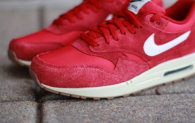 nike-air-max-1-essential-suede-gym-red-3