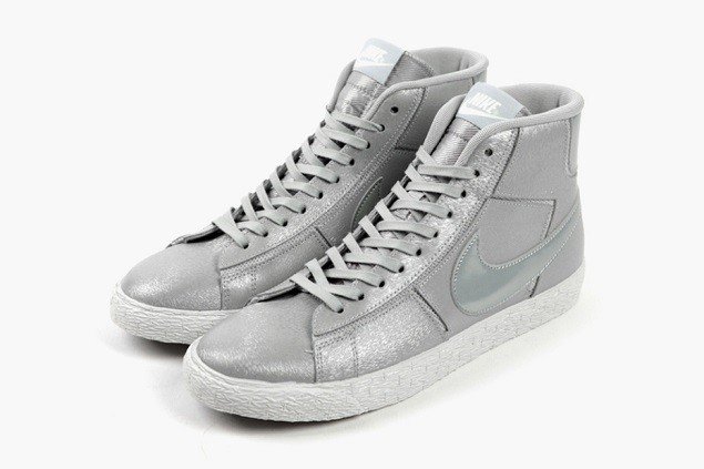 nike-wmns-wolf-grey-cut-out-pack-03
