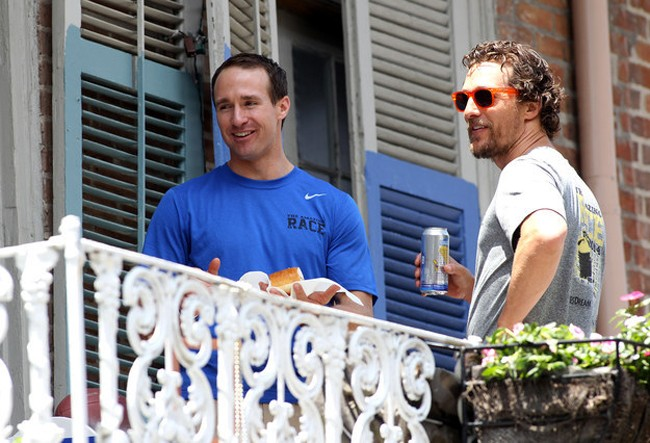 adaymag-brad-pitt-matthew-mcconaughey-realizing-they-are-neighbors-09