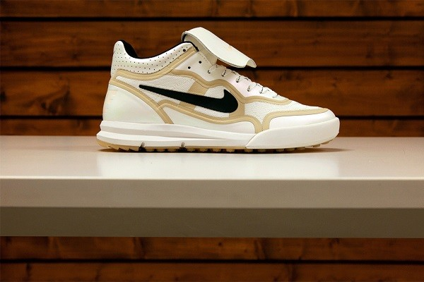 nike-nsw-2014-gold-trophy-pack-3