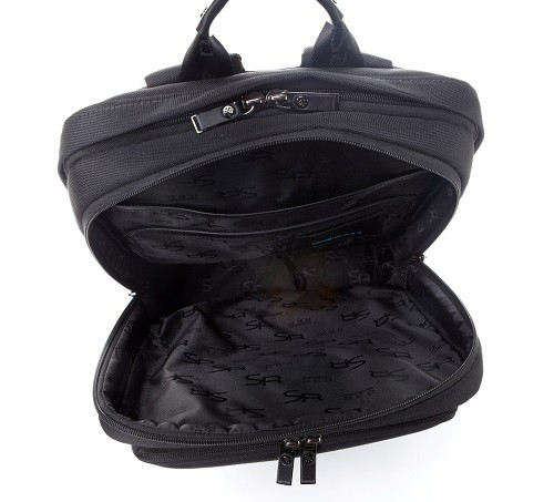 3.Samsonite RED_MONDO系列後背包(黑)內部超大容量設計