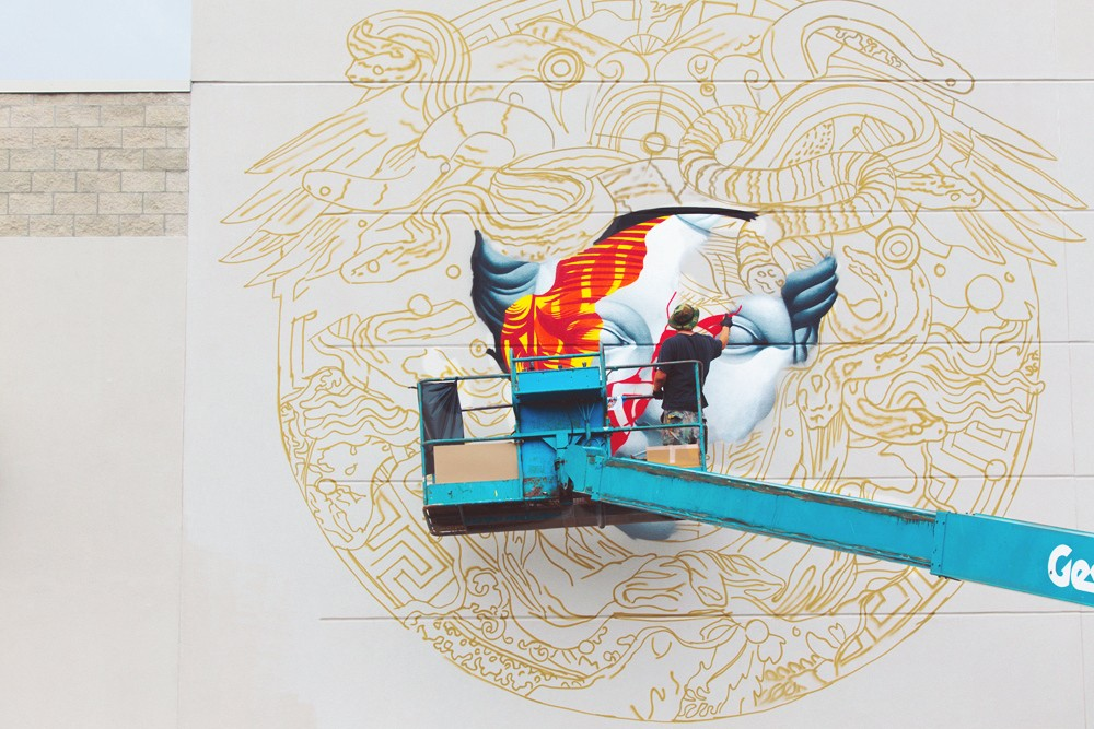 pow-wow-hawaii-x-versace-mural-by-tristan-eaton-06