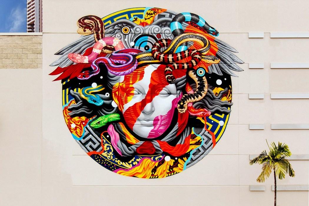 pow-wow-hawaii-x-versace-mural-by-tristan-eaton-18