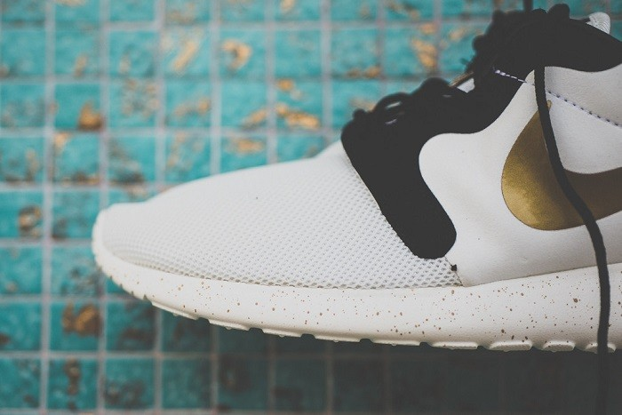 a-closer-look-at-the-nike-roshe-run-hyperfuse-gold-hypervenom-2