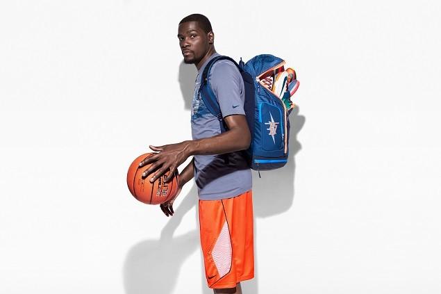 Kevin Durant第七代簽名球鞋將性能上的創新與具有創意的故事相結合,以氣象為主題,生動地講述了關於Kevin Durant個人和以他為靈感的故事 (2)