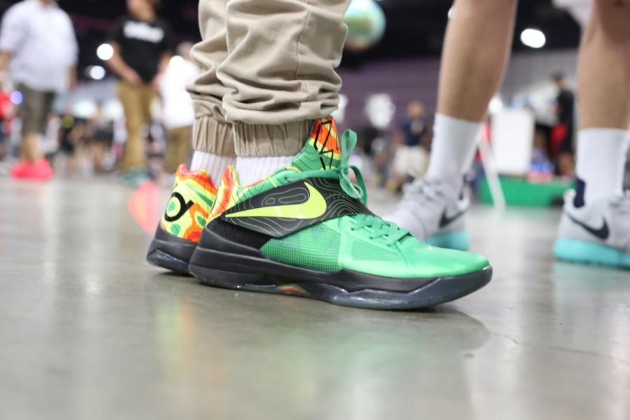 sneaker-con-los-angeles-bet-on-feet-recap-011-900x600