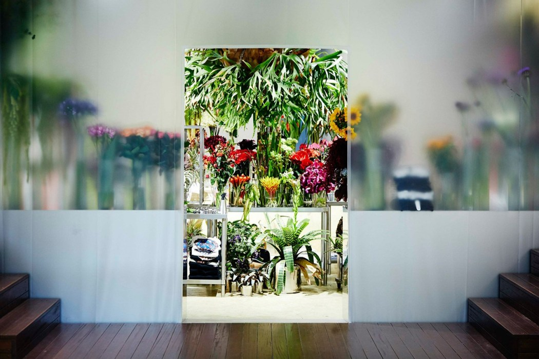 floral-shop-amkk-by-the-pool-aoyama-1