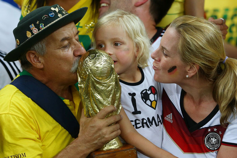 adaymag-weeping-brazil-fan-proves-losing-well-can-also-make-champion-05