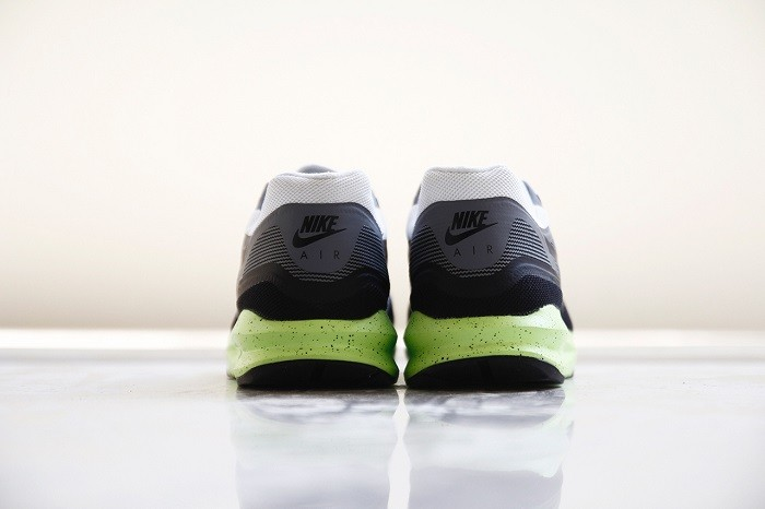 a-closer-look-at-the-nike-air-max-lunar1-black-grey-volt-5