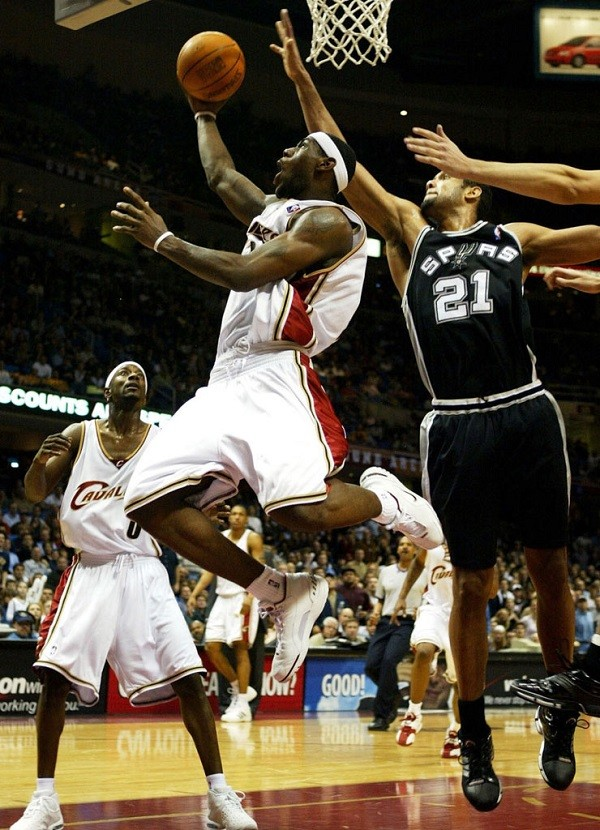 lebron-james-cleveland-cavaliers-2003-07