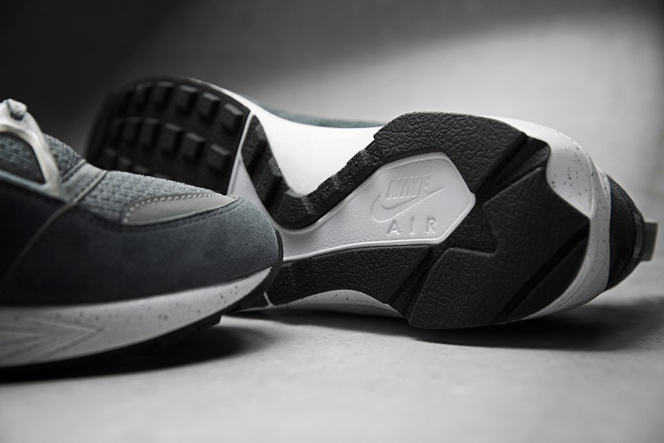 foot-patrol-nike-air-huarache-concrete-003-960x640