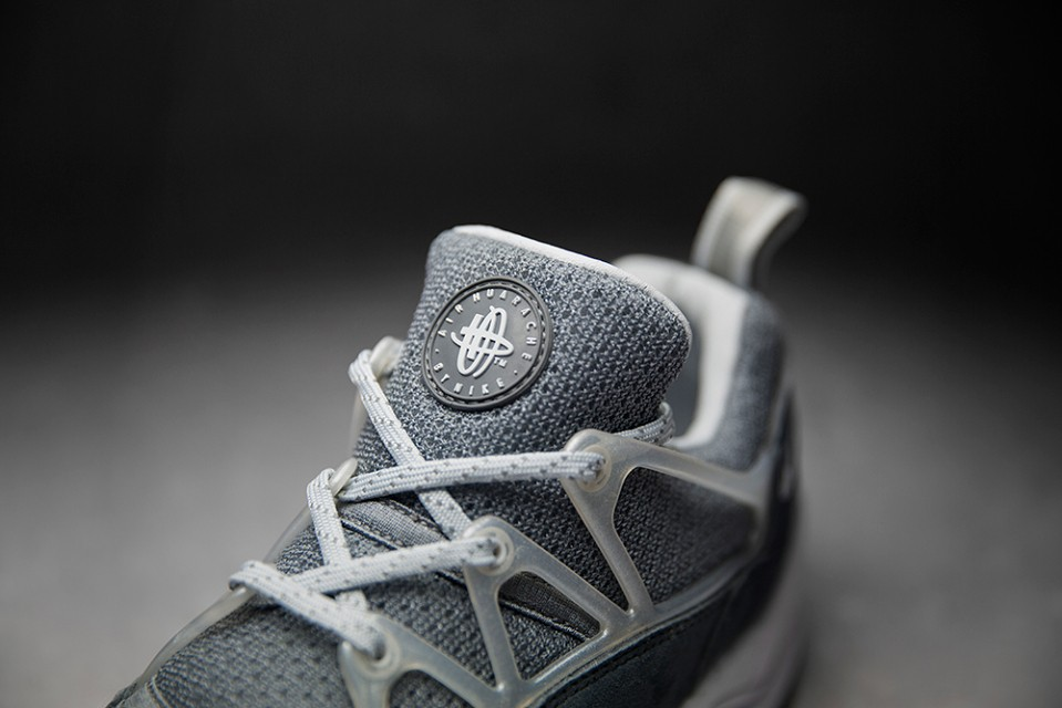 foot-patrol-nike-air-huarache-concrete-005-960x640