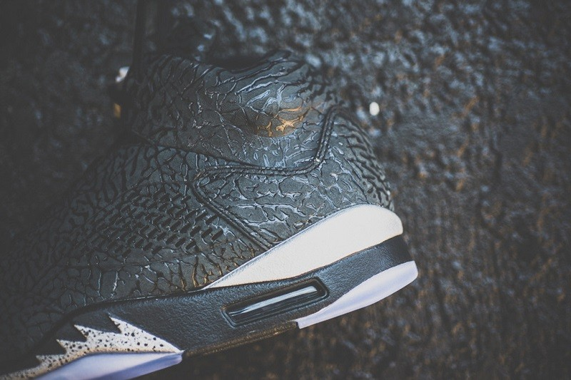 a-closer-look-at-the-air-jordan-3lab5-black-metallic-silver-4