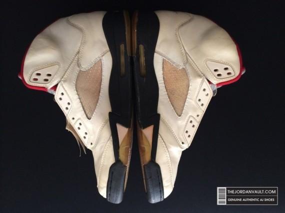 air-jrodan-5-white-fire-red-michael-jordan-original-08-570x427
