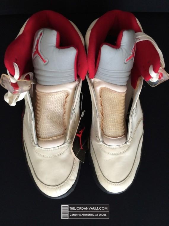 air-jrodan-5-white-fire-red-michael-jordan-original-09-570x760