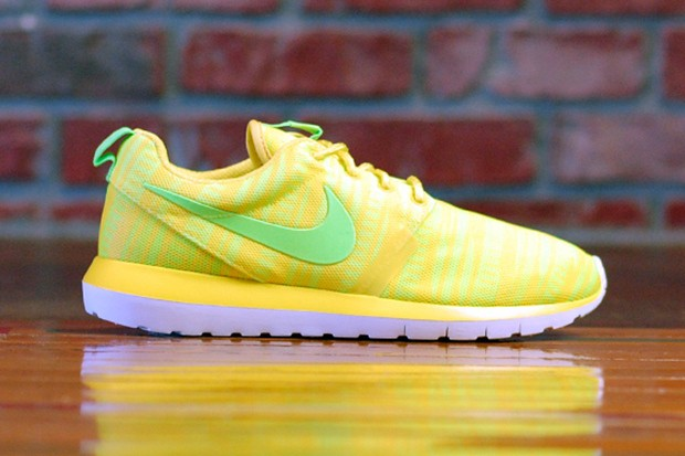 nike-roshe-run-nm-breeze-chrome-yellow-11