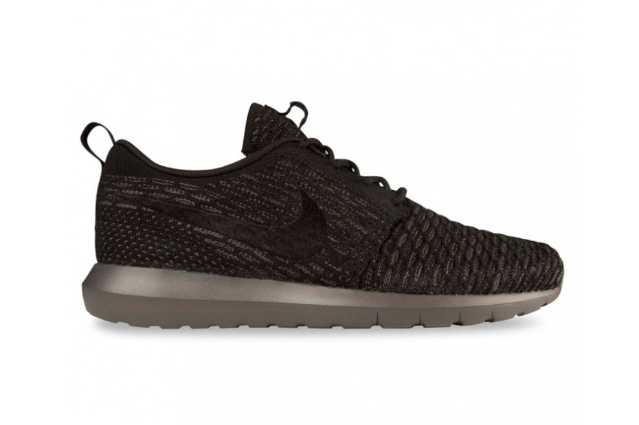 nike-flyknit-roshe-run-nm-black-and-turquoise-2