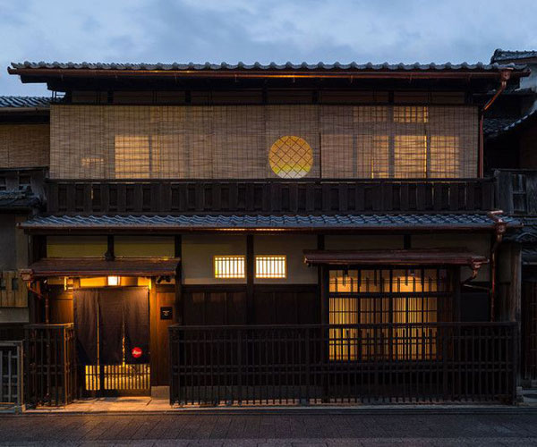 Leica-Store-Kyoto-2_zpsf811d195