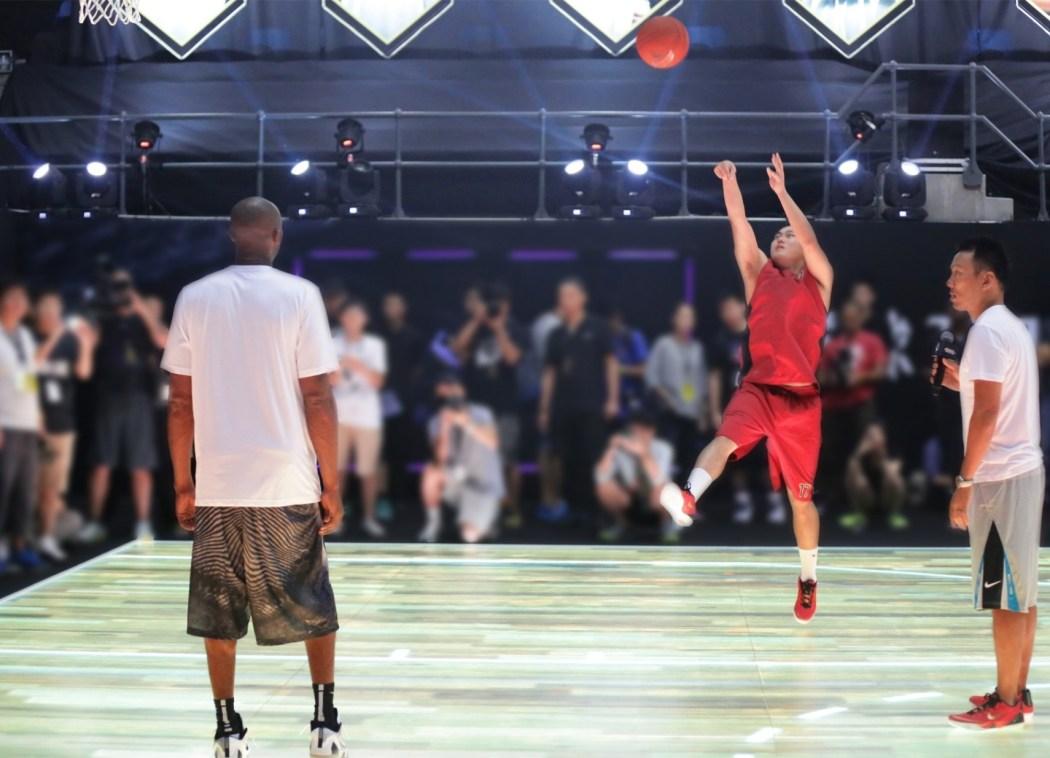 """李雨龍表示""""Kobe對細節和基本動作的重視讓我印象最深。"""""""