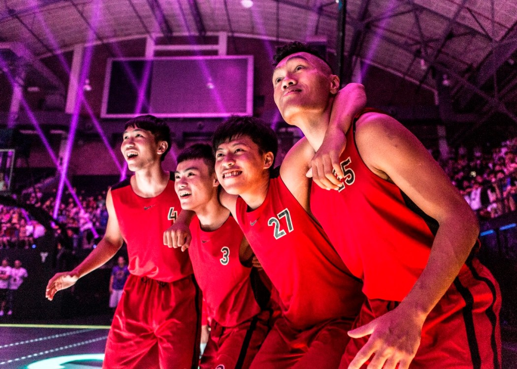 吳松蔚(右2):我愛籃球,所以我要回來
