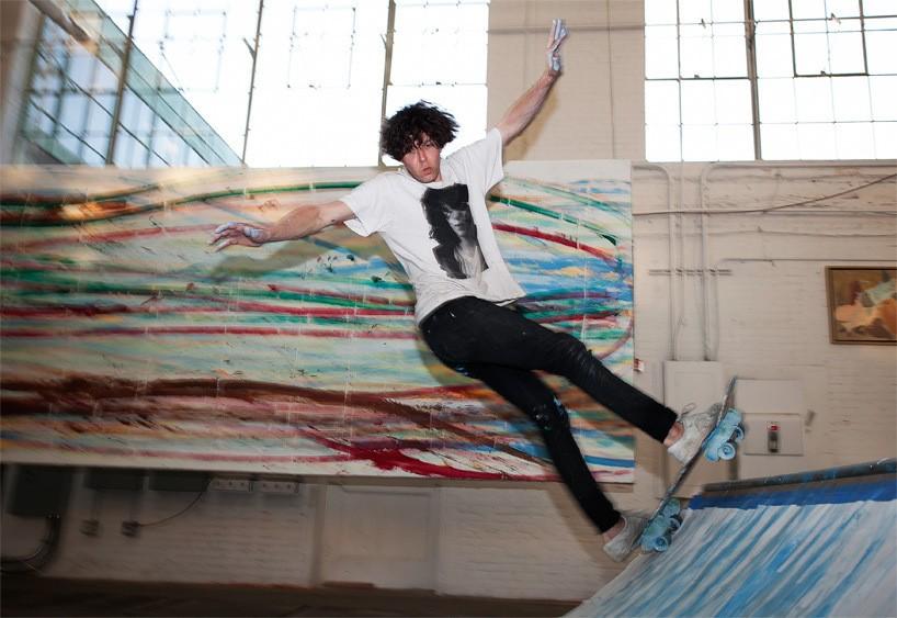 matt-reilly-skateboard-painting-at-mana-contemporary-3